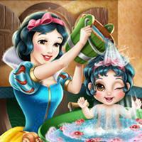 Game Bạch Tuyết Tắm Cho Baby